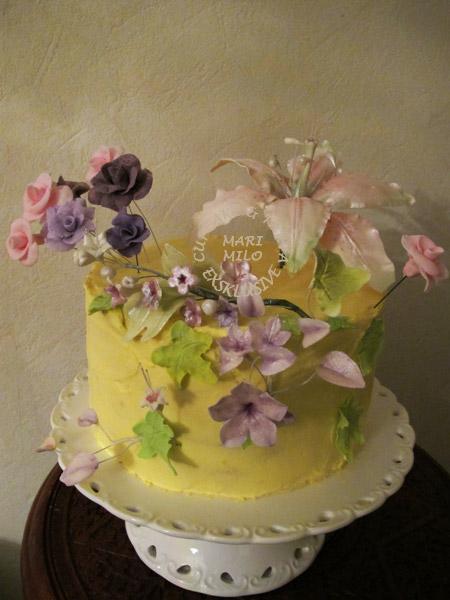 Liten men fantastisk bröllopstårta