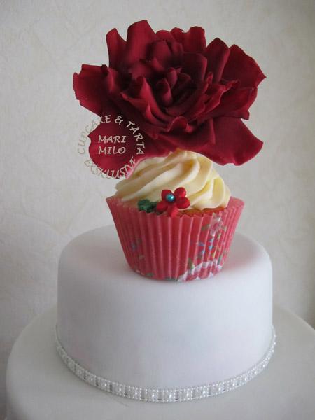 Bröllopstårta och cupcakes