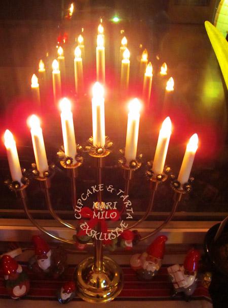 Jul tomtar och ljusstake