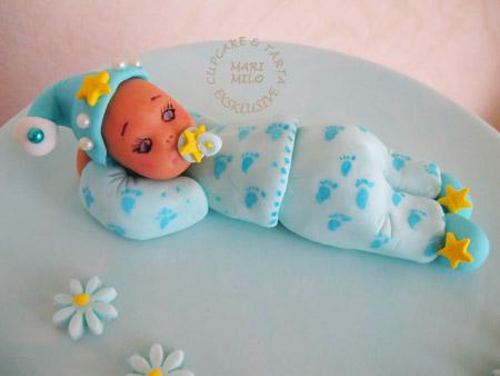 Bebis modellerad i sockerpasta