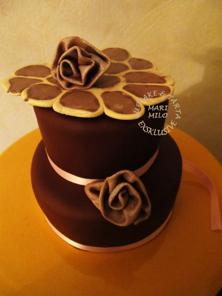 Choklad tårta dekorerad