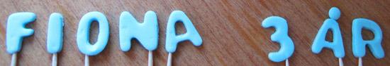bokstäver i sockerpasta