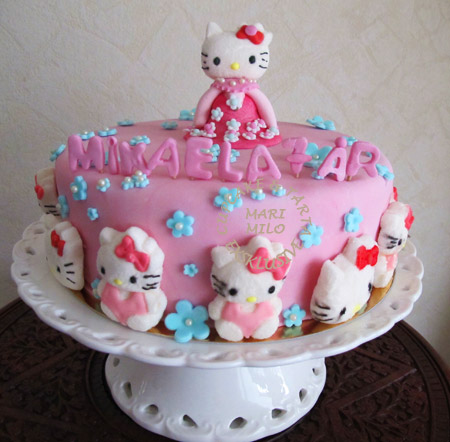 Hello Kitty cake, Hello Kitty torta