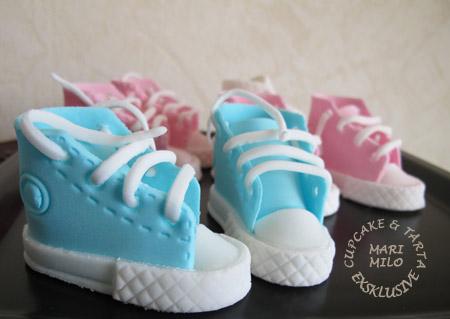 Baby converse sockerdekoration
