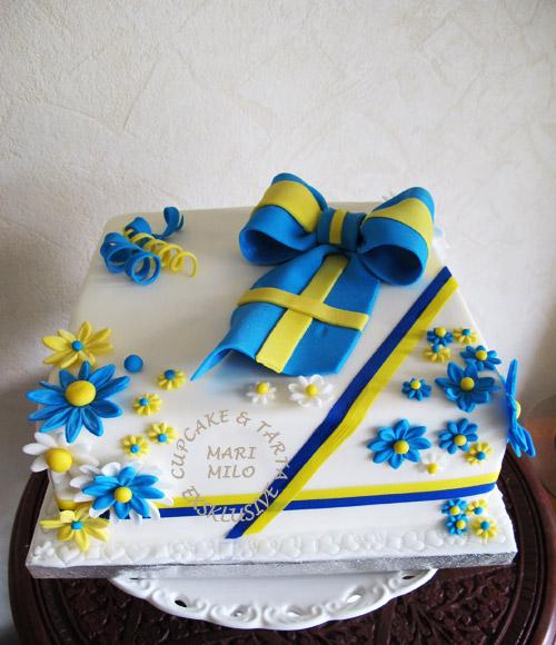 Svensk flagga och tårta
