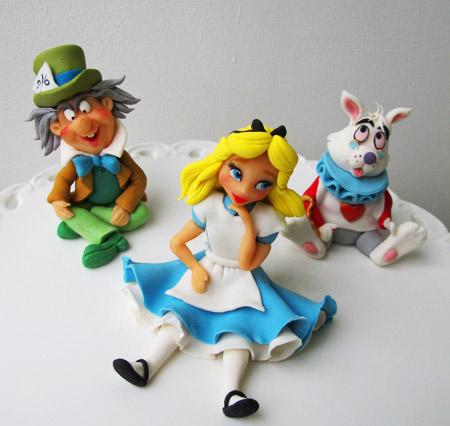 Alice i underlandet tårta sockerfigurer