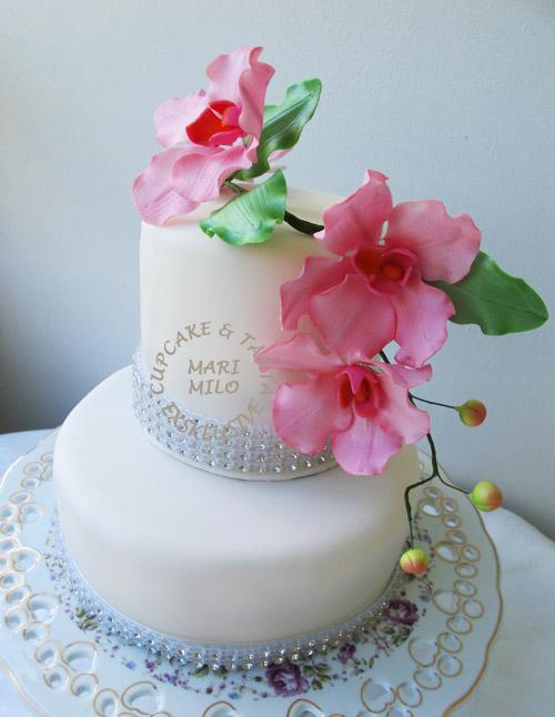 Bröllopstårta med Swarovski kristaler