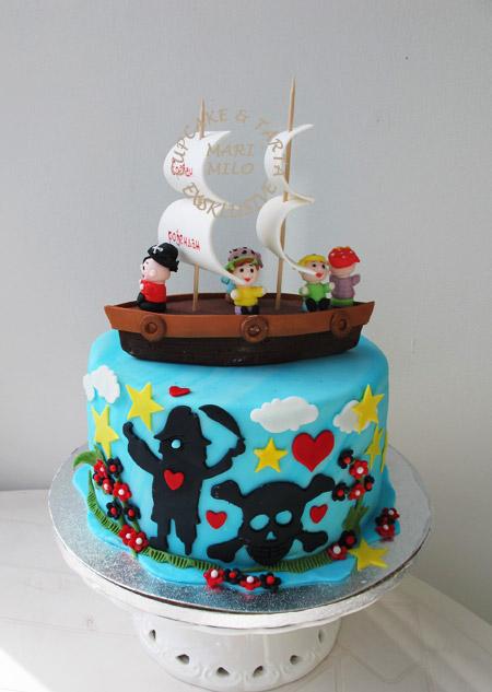 Tårta med pirater för sjörövarkalas