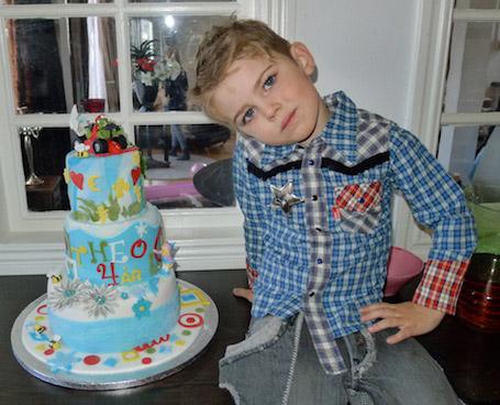 Pernilla Wahlgrens son Theo 4 år