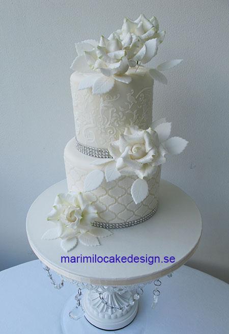 Bröllopstårta vita rosor