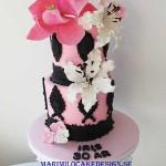fodelsedagstarta-svart-rosa