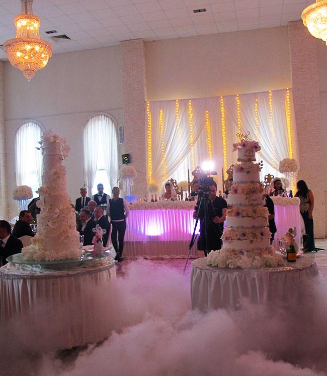 Stora bröllopstårtor