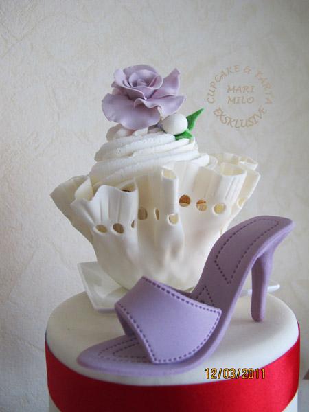 Cupcakes, tårta, ros och sockersko