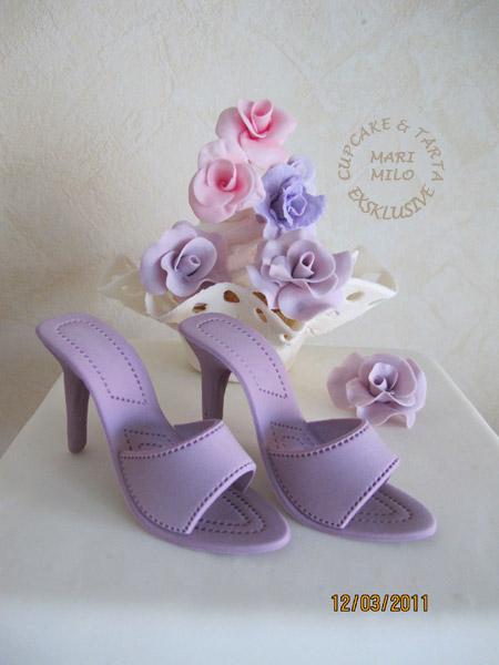 Tårta, cupcakes, rosor och sockersko