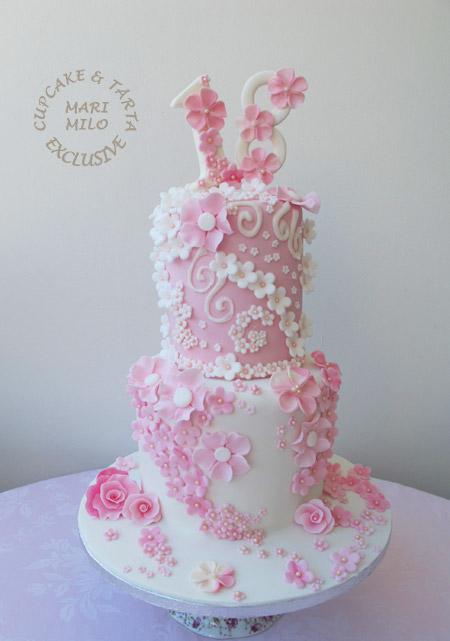 födelsedagstårta 18 år fodelsedagstarta | Mari Milo Cake Design födelsedagstårta 18 år